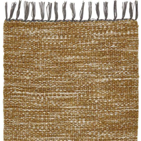 alfombra color mostaza