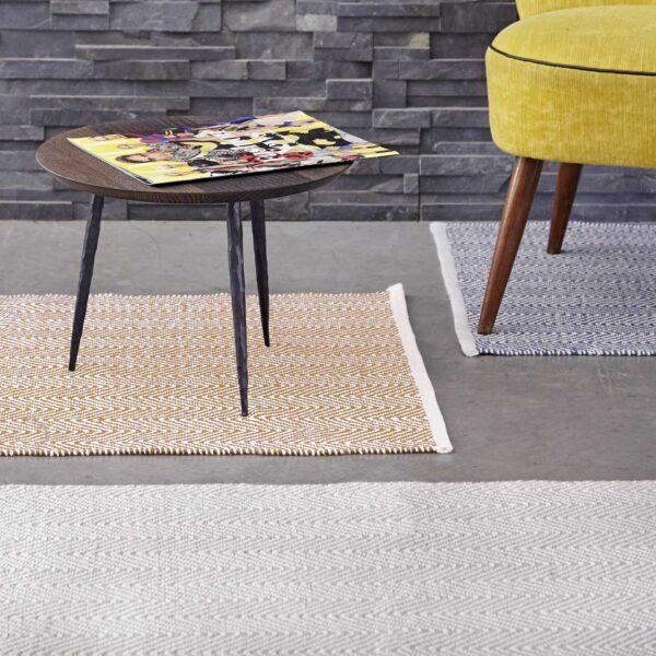 alfombra pasillera gris